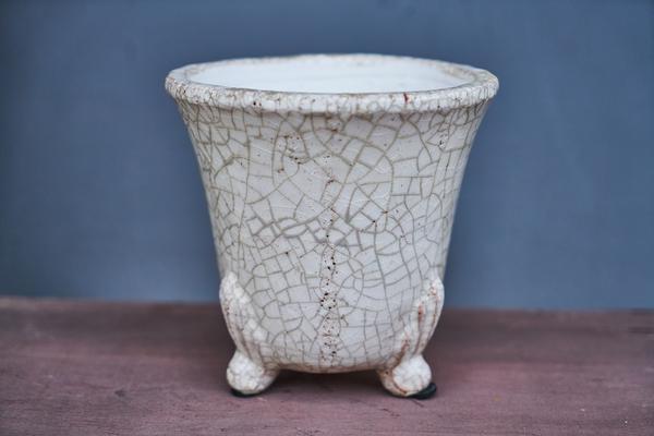biała donica ceramiczna