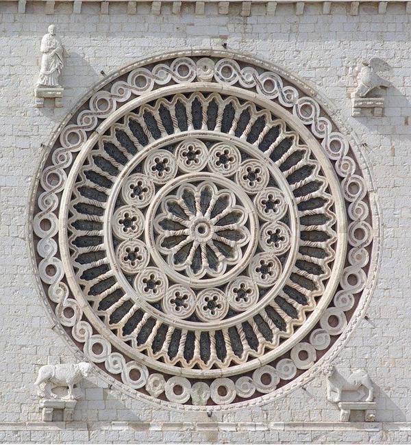 rozety dekoracyjne sufitowe