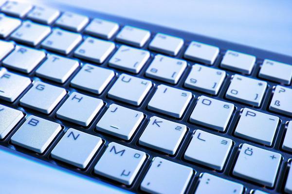 klawiatura mechaniczna podświetlana